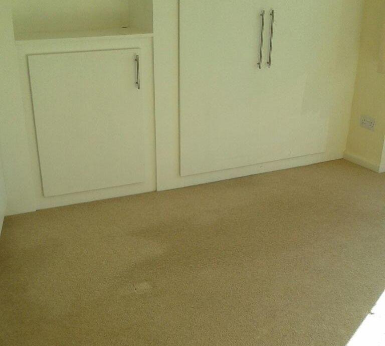 E14 carpet cleaners Canary Wharf